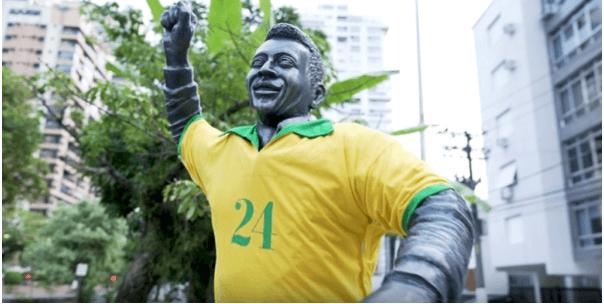 """""""サッカーの神様""""に#24を着せたワケとは?スポーツ界の多様化を訴えたアウトドア施策のキャプチャー"""
